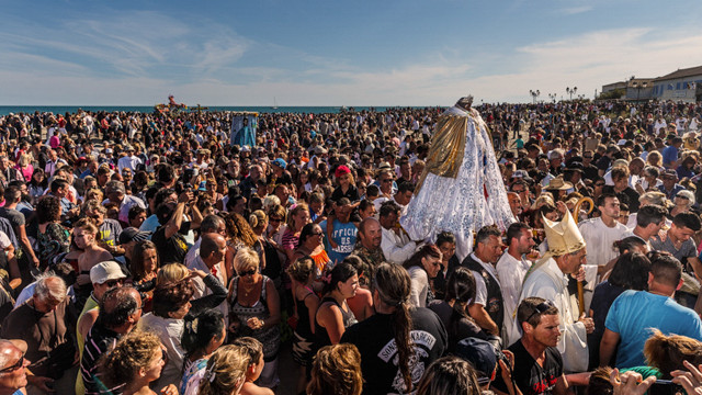 Gypsies to the sea procession of Santa Sarah, the black Madonna of the gypsies. In the days procession in Camargue thousand of gypsies they come from all over the world