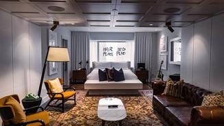 Hotel_Fairmont_John_Yoko room