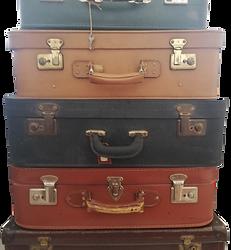Valises anciennes décoration vintage, mariage, anniversaire, retraite. AMBIANTIELLE, location d'objets décoratifs vintage et de mobilier événementiel pas cher