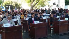 Con polémica, el Chuli retuvo la presidencia del Concejo