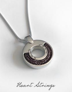 Horse shoe pendant