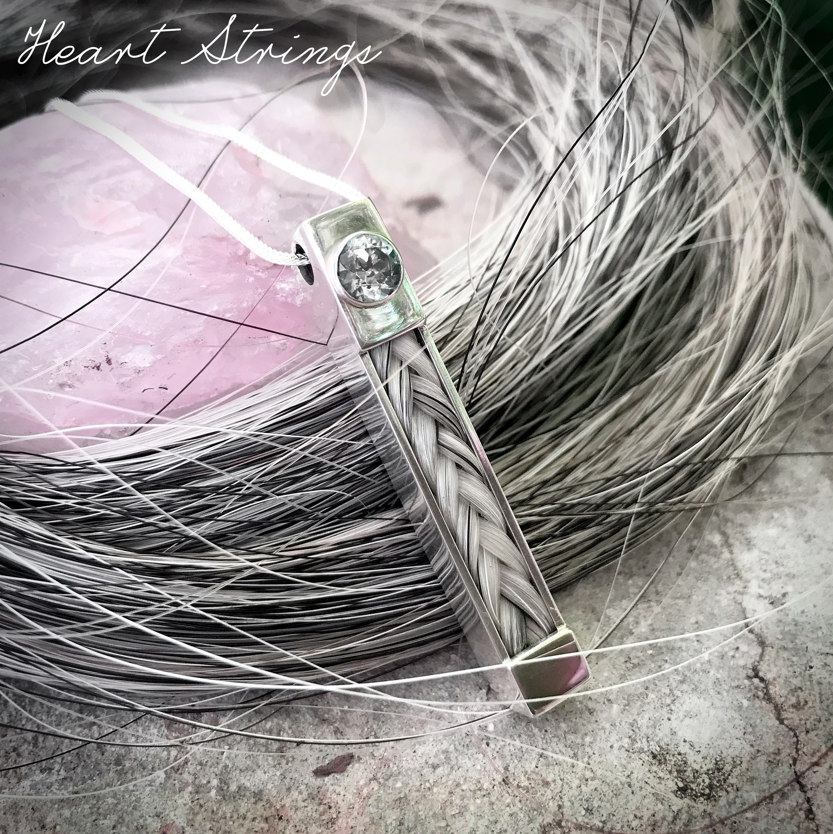 Lingo pendant