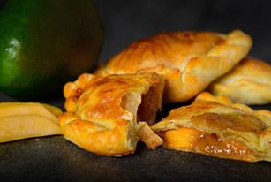 Empanada Apple Pie $3.50