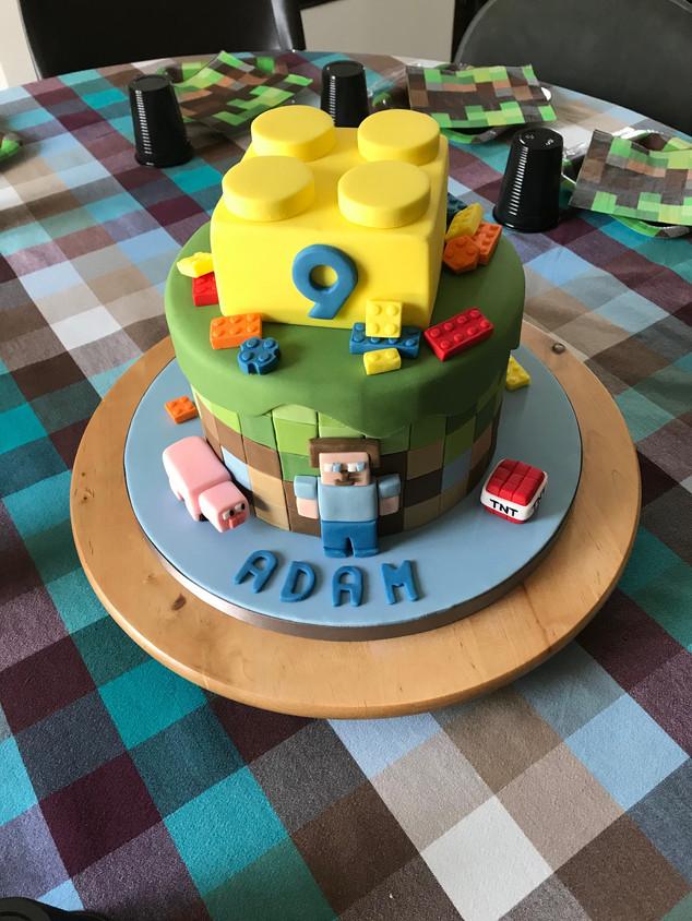 Minecraft lego fan cake
