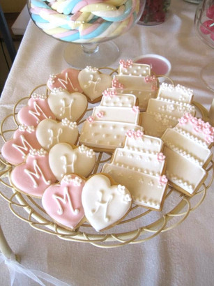 Wedding personalised biscuits