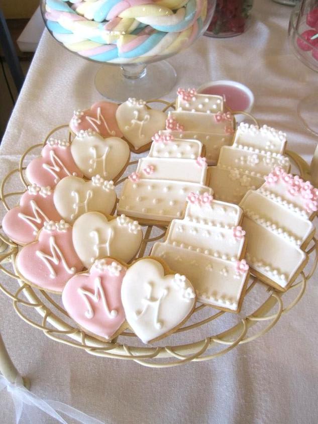 Wedding personalised biscuits