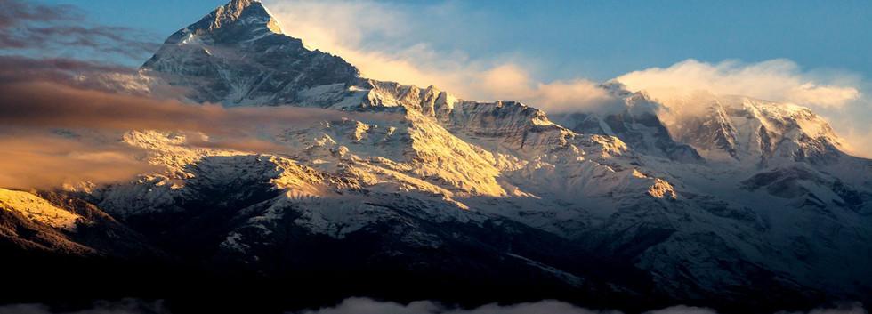 Annapurna-range-at-sunrise.jpg