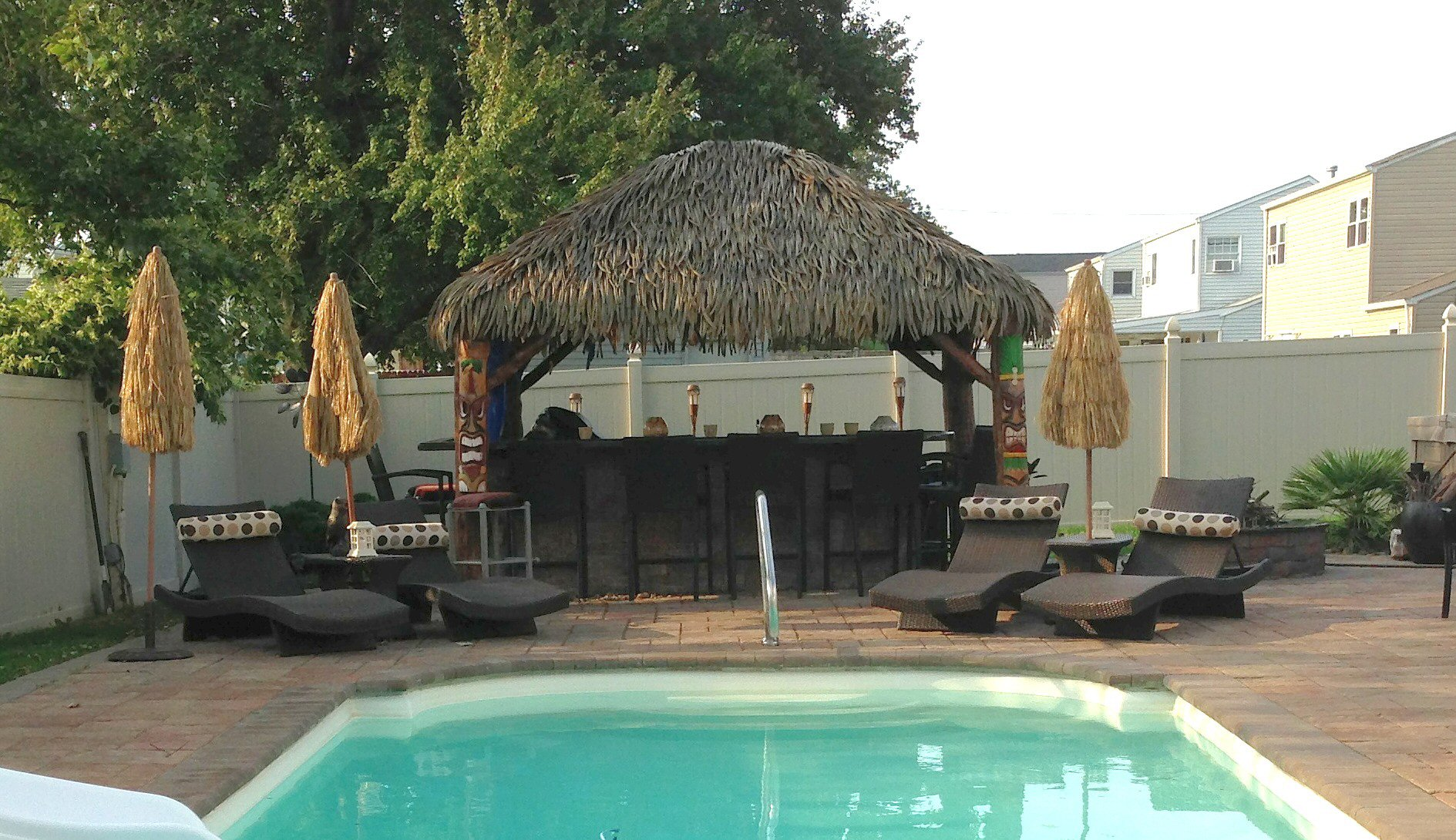 10 Ft. x 10 Ft. Tahiti Log Pool Side Bar 3