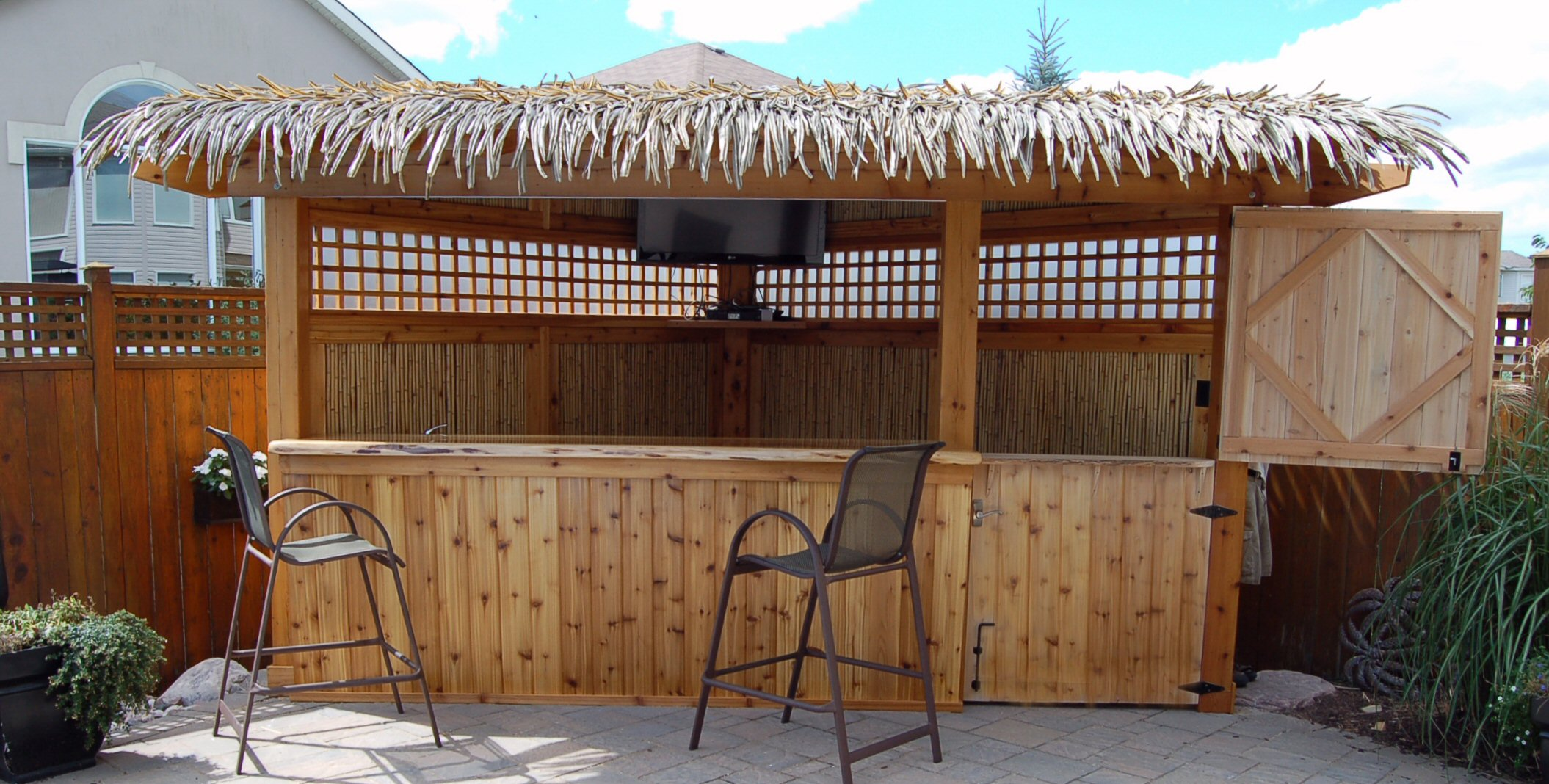 Corner Tiki Bar Pool Side