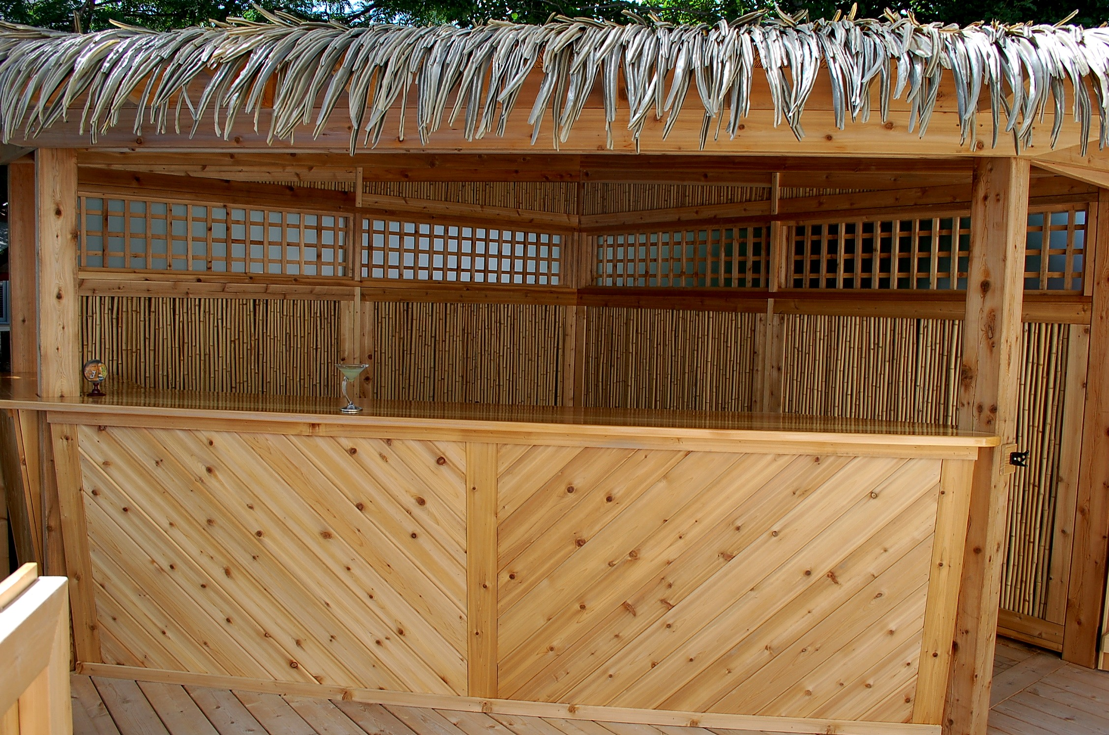 Tiki Bar Bamboo Walls and Lexan Windows.JPG