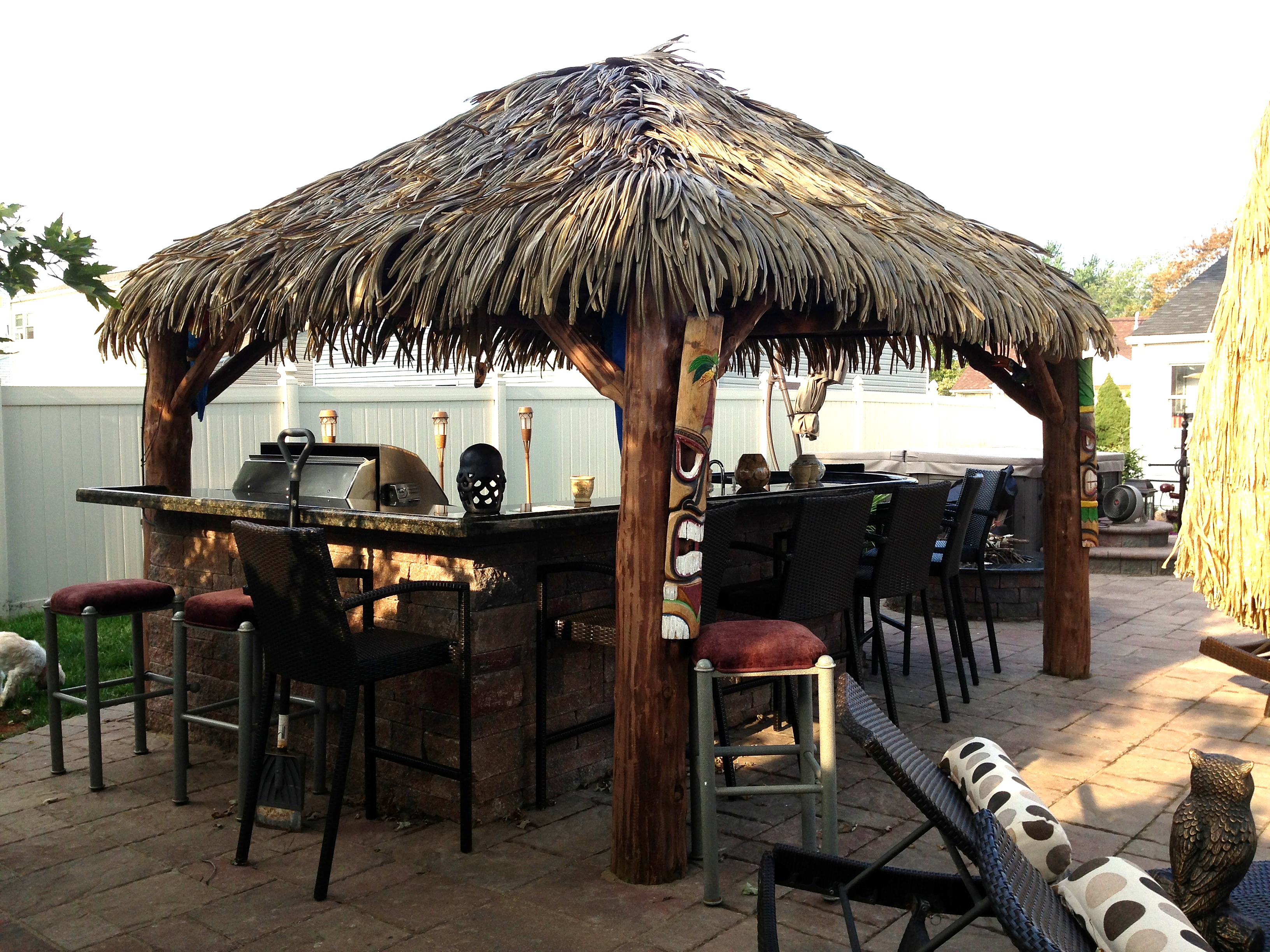 10 Ft. x 10 Ft. Tahiti Log Pool Side Bar 2.JPG