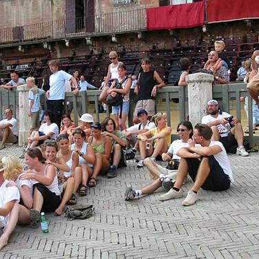 Am berühmten Platz in Siena