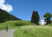 Auffahrt zu Laurentikirche
