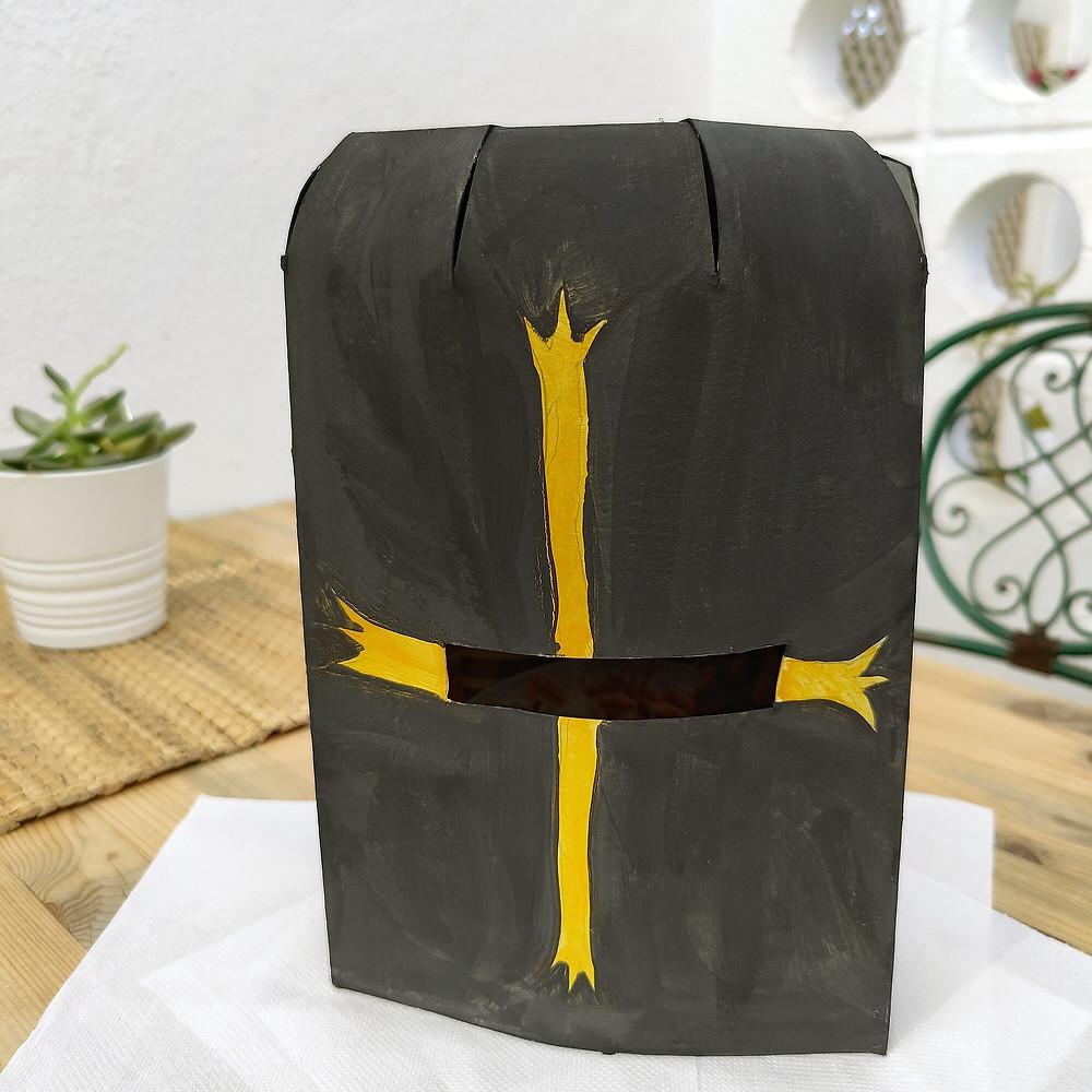 Manualidad Casco Medieval de cartón