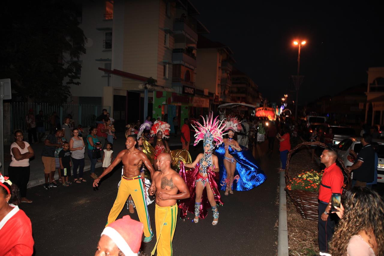 parade axe brasil samba 1.jpg