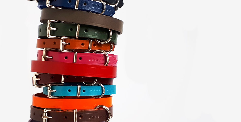 Classic Leather Buckle Collars: Narrow