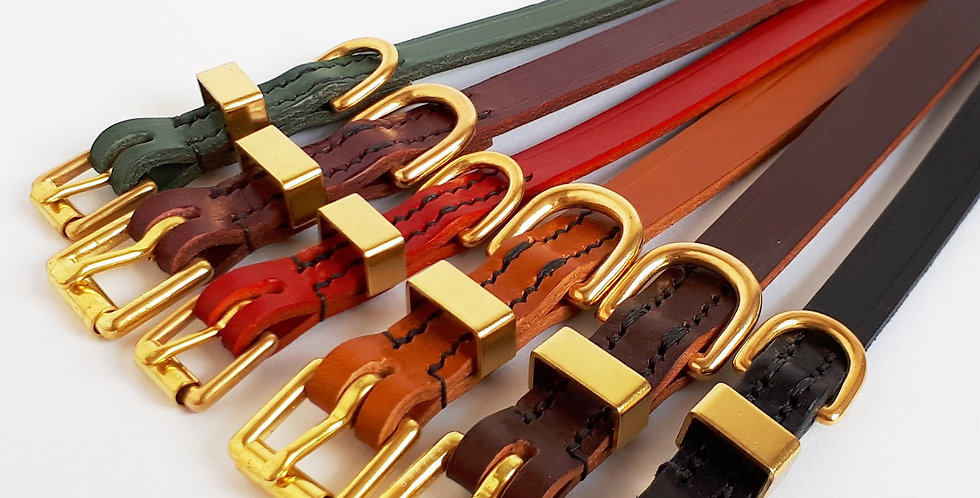 Classic Leather Buckle Collars: Traditional Chic