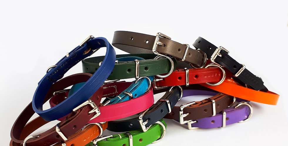Classic Leather Buckle Collars: Standard widths