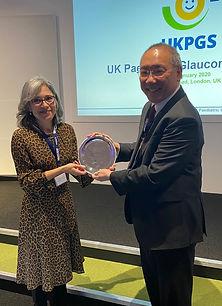 Peng Khaw awarding Noel Rice Lecturer Ma