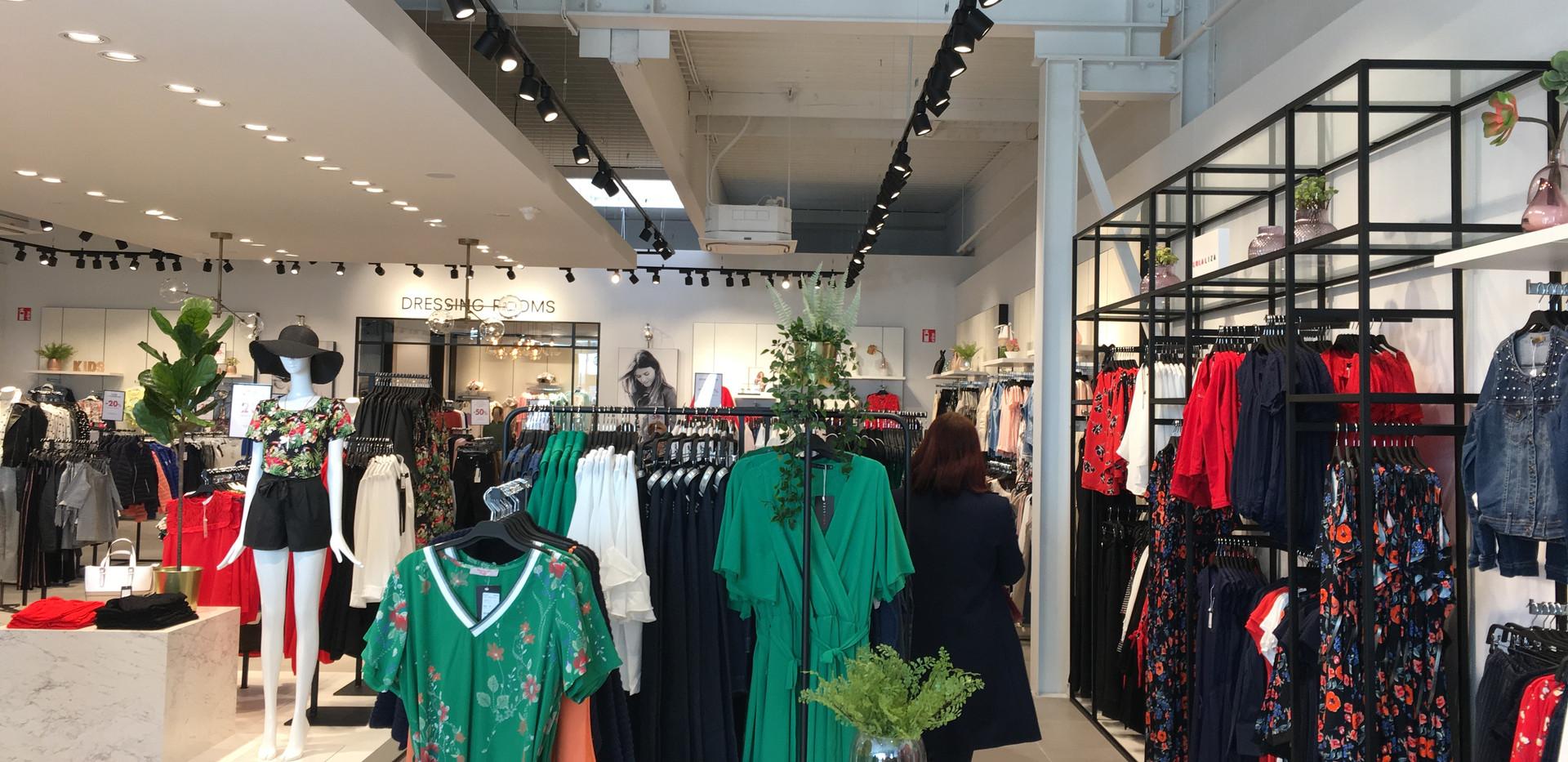 Lolaliza Stores
