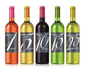 Custom labels for bottles of alcohol to celebrate marriage anniversary