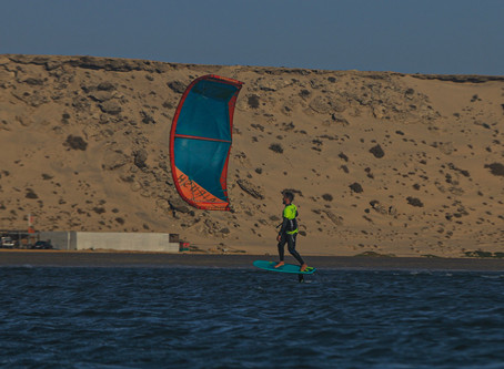 KITESURF FOIL BOARDING DOWNWINDER&UPWIND TO THE WHITEDUNE AT DAKHLA MOROCCO