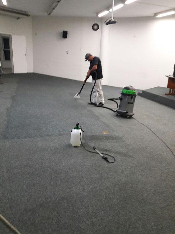 Limpeza profunda de carpetes, teatr, cinemas, eventos, empresas, condomínios, residências