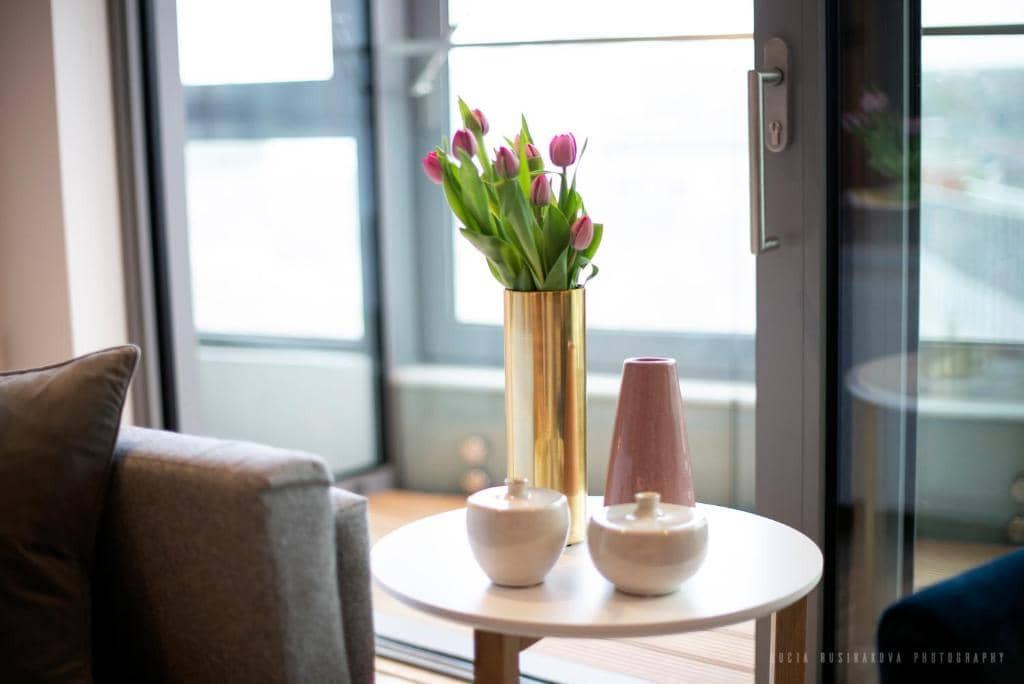 Elegant decor and furnishings serviced apartments London City