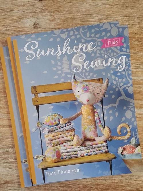 Libro Sunshine Sewing Tilda