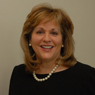 Elaine Carlos