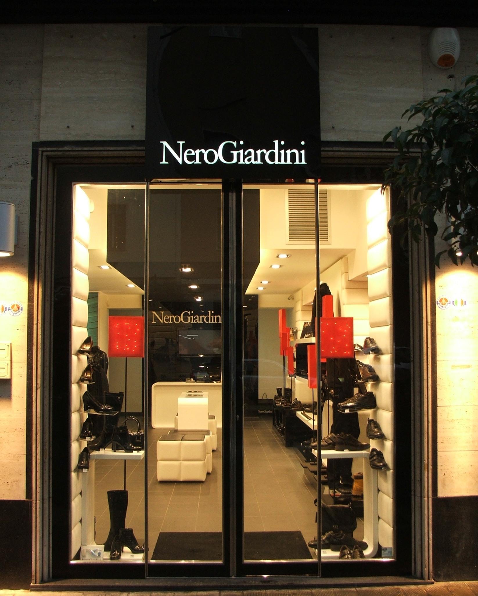 NERO GIARDINI siracusa 2009