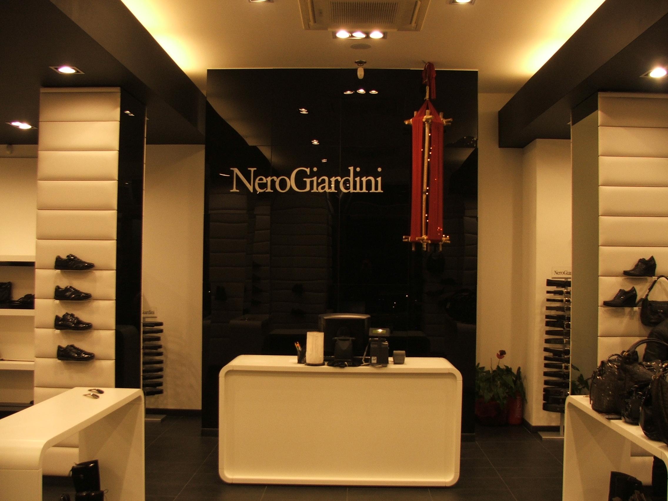NERO GIARDINI messina 2008