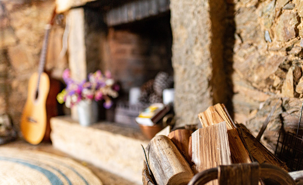 The fireplace at Moinho da Fadagosa