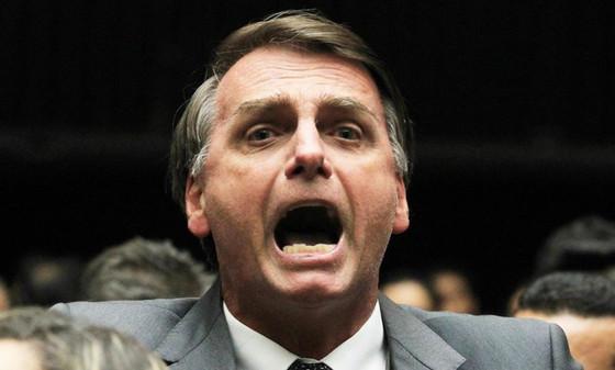 """Ao prometer """"acabar com o coitadismo"""", Bolsonaro diz: """"o MEC oficiou todos os estados e municípios p"""