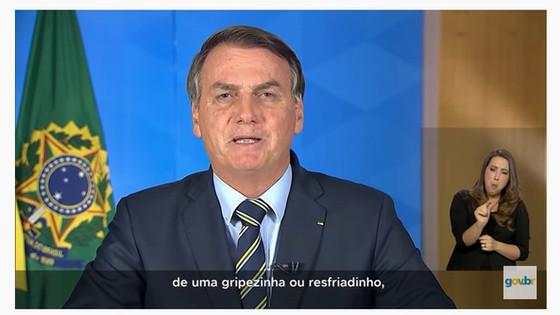 """Bolsonaro sobre o coronavírus: """"eu seria, quando muito, acometido de uma gripezinha"""". É falso!"""
