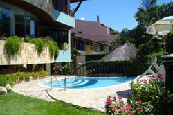 hotel dividivi piscina
