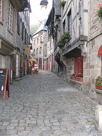 Dinan - Brittany Biker Breaks Guided Tours