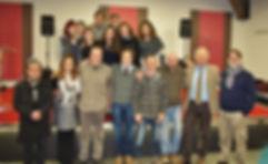 Foto di gruppo a scuola con Roberto Mistretta e Lillo Micchichè fotgrafo