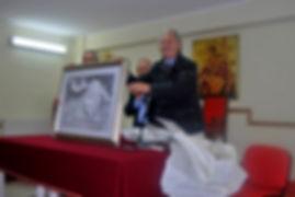 Roberto Mistretta con Quadro di Peppe Piccica