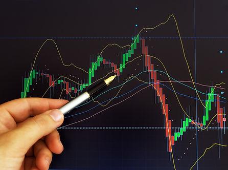 Curso intensivo de capacitación en la operación de bolsa. Cuándo comprar, cuándo vender y cómo proteger tu inversión durante tu busqueda de ganancia diaria. Yurek Vazquez