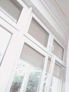 Janelas PVC com estores exteriores