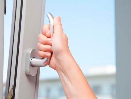 Acessórios e ferragens de elevada qualidade para as Janelas e Portas