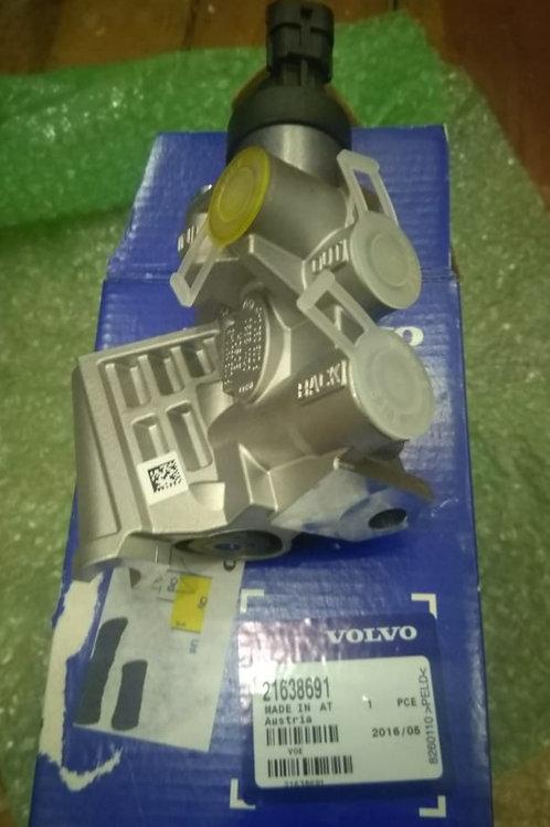 Регулятор давления подачи топлива FUEL REGULATOR (в сборе) Volvo VOE21638691