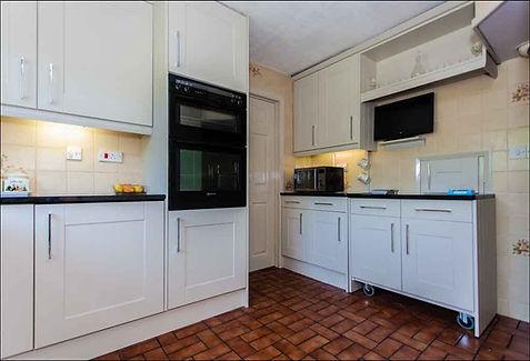 Door style - Warwick Colour Oakgrain Mussel