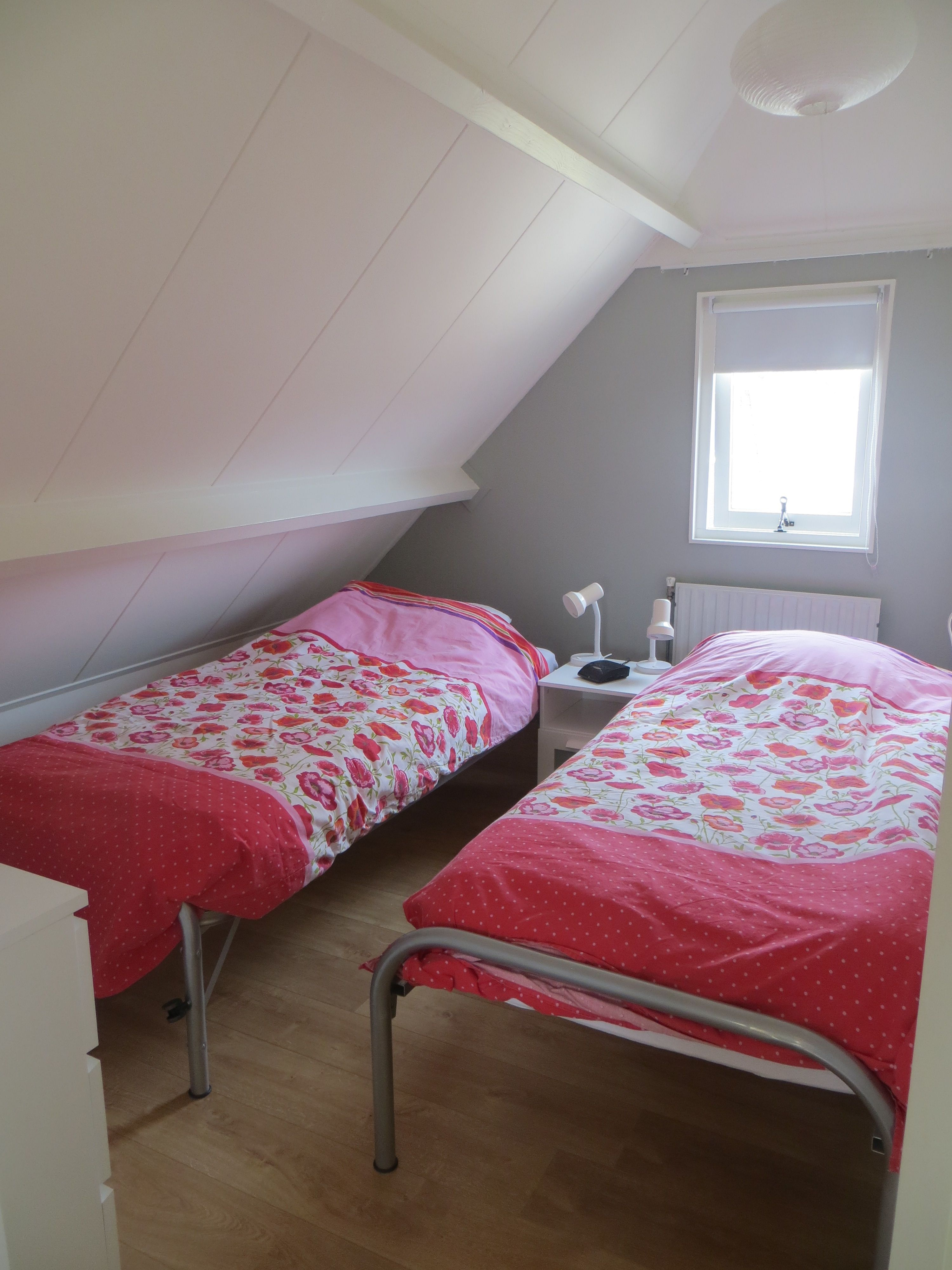 slaapkamers twee bedden