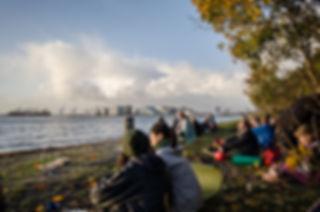 Natur Retur | Solopgang | Naturformidling | Ture i naturen | Aarhus bugt | Aarhus Ø | Den Permanente | Fællessang | Fotograf Line Beck
