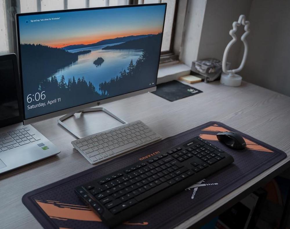 an organized computer desktop