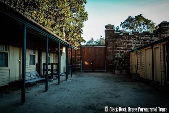 Black Rock house courtyard