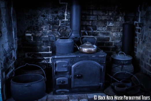 Black Rock house kitchen