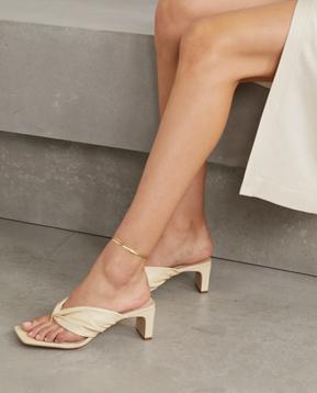 Porte & Paire Heels